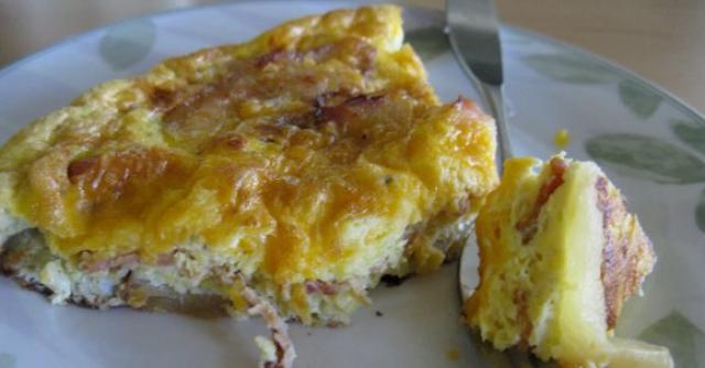 Bacon Cheddar Apple Frittata | Cozi Family Organizer