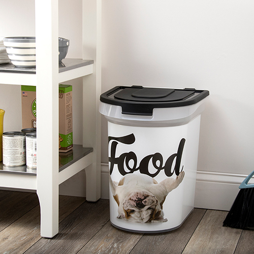 1 food storage bin
